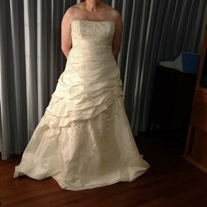 Mori Lee strapless bridal dress